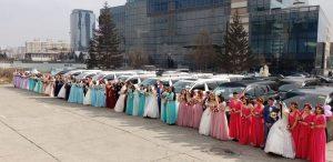 モンゴル国の「著名な母」たちが挙式